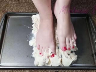 Mistress Toefu Wet and Messy Feet ASMR