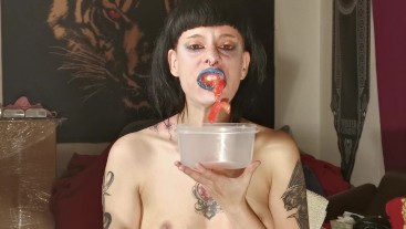Beth Kinky - Slave watch her domina as She chew his dinner POV HD
