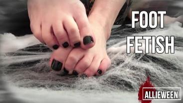 #10 Halloween Foot Fetish