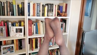 giving a blowjob during a job interview showing my nylon feet