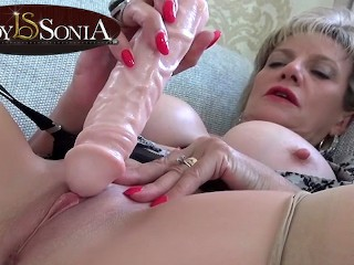 Sexy mature Lady Sonia...
