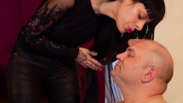 Beth Kinky - Sexy domina face spittin her slave close up HD