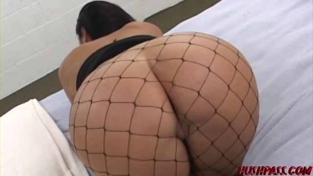 Bubble butt Veronica oiled up for big cock banging