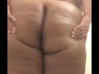 BBW Ebony Showering