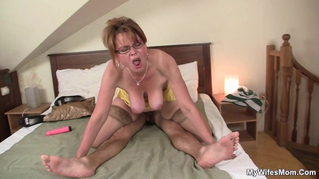 Find mature woman She finding old mom riding her boyfriends cock