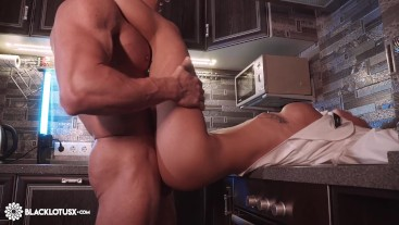 Girlfriend Suck Big Cock and Hardcore Sex after Work