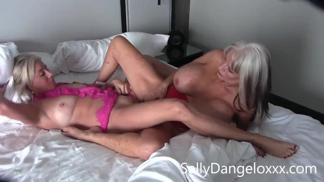 Girl on girl stories xxx - Mature porn girls eating pussy for breakfast