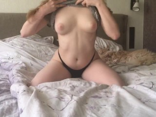 Showing you my body and masturbating in the morning
