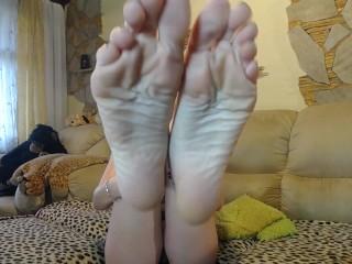 Sexy feet in the spotlight part 2