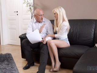 DA Blonde cutie Candee Licious wants to have hot sex Candee Licious