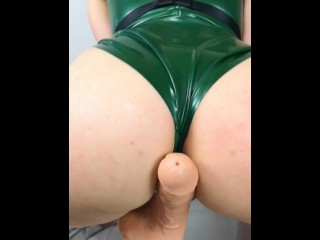 Cammy From Street Fighter Gives Blowjob And Fucks Dildo