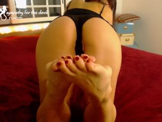nylon foot show