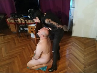 Beth Kinky Sexy goth domina spitting on her slaves face pt HD
