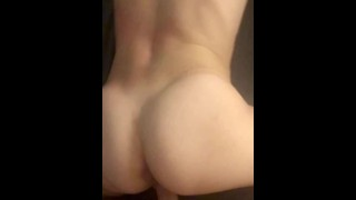 Young Teen MILF Tinder Treatment Doggystyle Clappin'