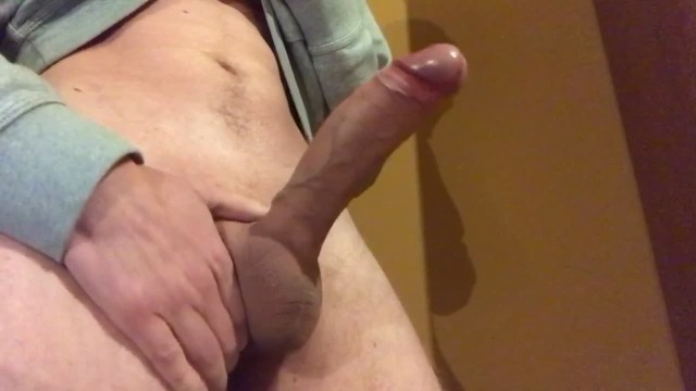 MONSTER CUMSHOT FROM BIG VEINY COCK