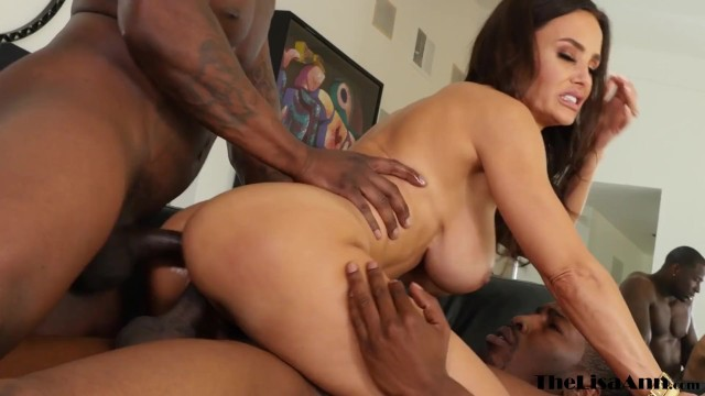 Busty MILF Lisa Ann double penetrated by two BBC in threeway