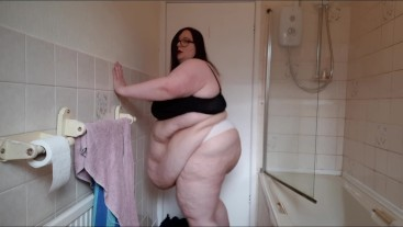 SSBBW FAT BODY BATHROOM NAUGHTYNESS THONG FUPA BELLY EXERCISE