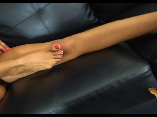 4k mixed redbone ebony brazil shows toes and oils soles