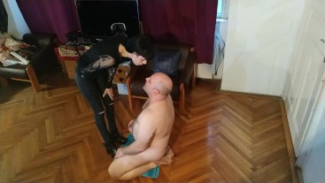SEXY GOTH DOMINA SPITTING ON HER SLAVE FACE FULL