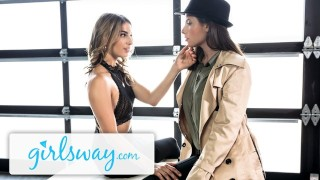 Girlsway Kristen Scott Snitches for Casey Calvert's Snatch