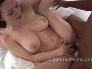 Milf Babe w Amazing Body Gets Fucked by a Black Cock in Interracial Video Rayveness