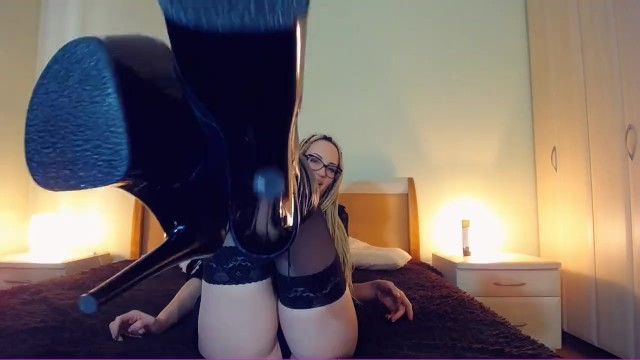Suck my Black Heels, loser!