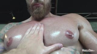 To nejlepší z Porna - Muscle Dom Tv Svalové Uctívání Hunk Obrovské Biceps Foot Fetiš Jock Off