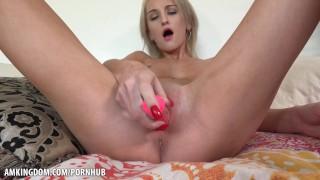 Hot and Wet Masturbation Tallie Lorain