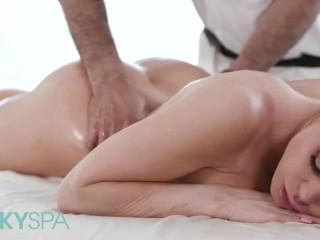 Kinky Spa Big tit Thicc Nikki Delano gets deep massage Nikki Delano