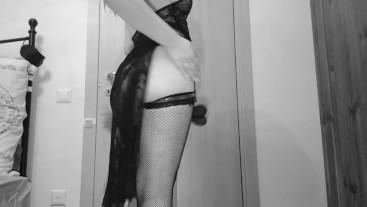 Goddess's rule n 1: slave on your knee!