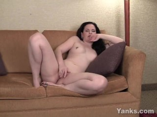 Yanks Caroline Pierce Moaning MILF