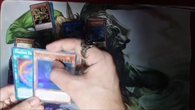 Free gay e-card Yugioh unboxing gold sarc megatin god card included