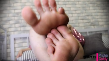 Train on my toes to suck a real dick