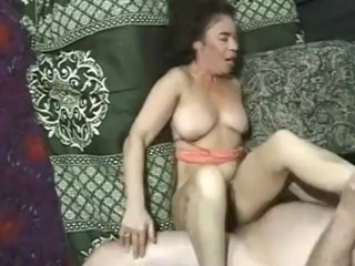 Uncle seduced by aunty
