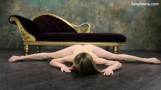 супер горячая голая гимнастика с Кларой Луковой
