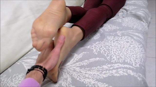 foot worship before footjob