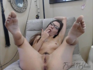 Foot Show Off Fingering Pussy Ass Spanks