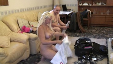 My Nudist Girlfriend Amy Holiday Fever