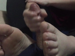 Tickle her Feet during HJ and she Tickles your Cock