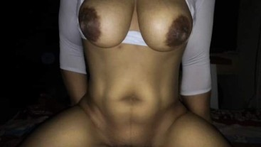 33 YEAR THAI MOM RIDES A DICK 11 !!!