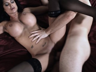 Sexy babe with big boobs wake up her boyfriend to fuck