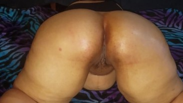 Latina maid loves her ass rubbed.