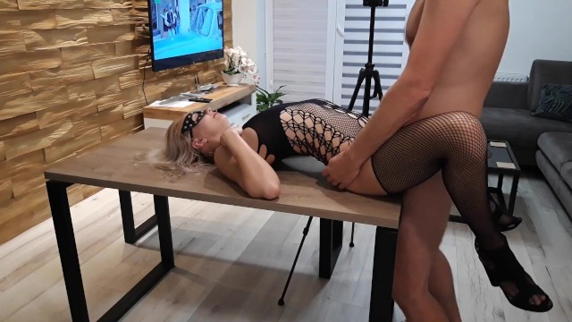 Men seeking woman sex Dangerous woman sex on the kitchen table