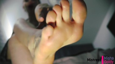 Worship My Middle finger and My soles!