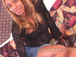 Black Teen Dt Freak loves sucking Dick in Ebony Blowjob Video