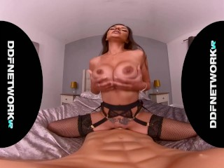 Must-see fuckdoll solo with VR bombshell Krystal Webb in POV masturbation