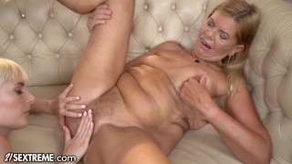 21Sextreme Teen Tongues Granny Snatch