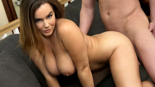 "Thick Step Sis Weird Game - ""Challenge you to not get a boner"" S10:E5"