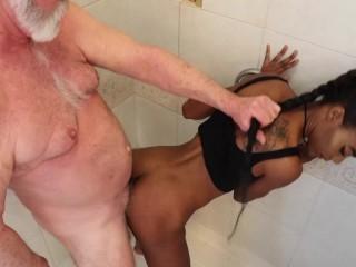 Chanel Skye Anal Doggy e Blowjob Golden Shower Flo Butt Plug Chanel Skye