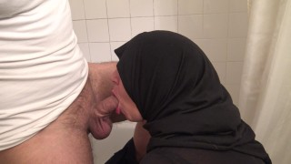 HIJAB TOURIST FIRST SEX EXPERIENCE EVER !!! (EXTREME)